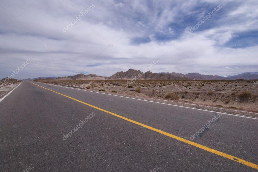 中国西部地区高速公路– 图库图片