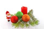 Peles-árvore de natal com boneca e spher — Fotografia Stock