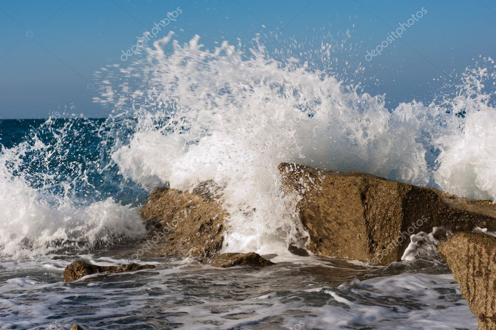Wave Smashing Rocks On A Winter Mediteranean Sea — Stock Photo #2638823