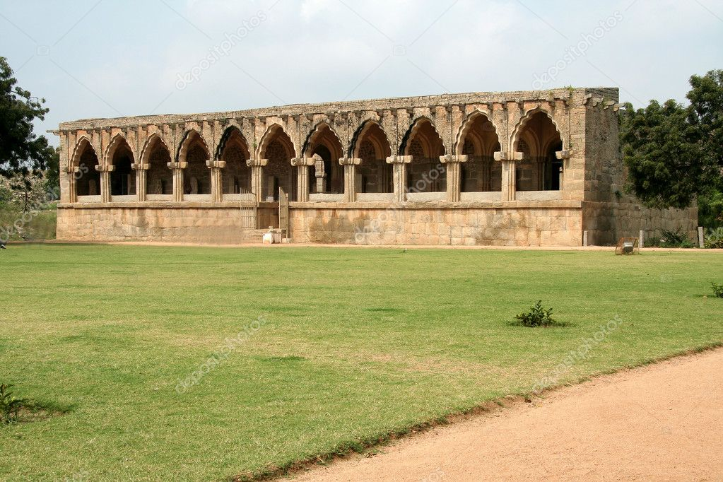 Facade of Army Quarters near Gajashale, the Elephant's Stable, at Hampi, Karnataka, India, Asia — Stock Photo #2674895
