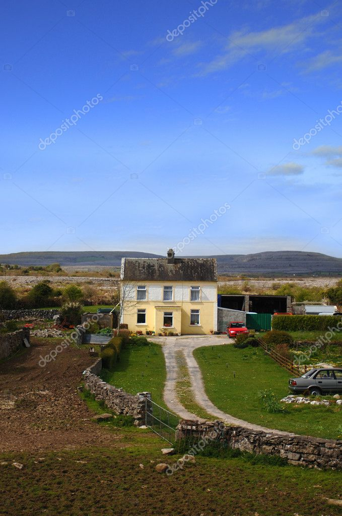 Irish Cottage at Dawn — Stock Photo #2059296