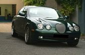 Green Jaguar S Type — Stock Photo
