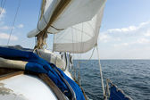 Sailing on the ocean — Stock Photo