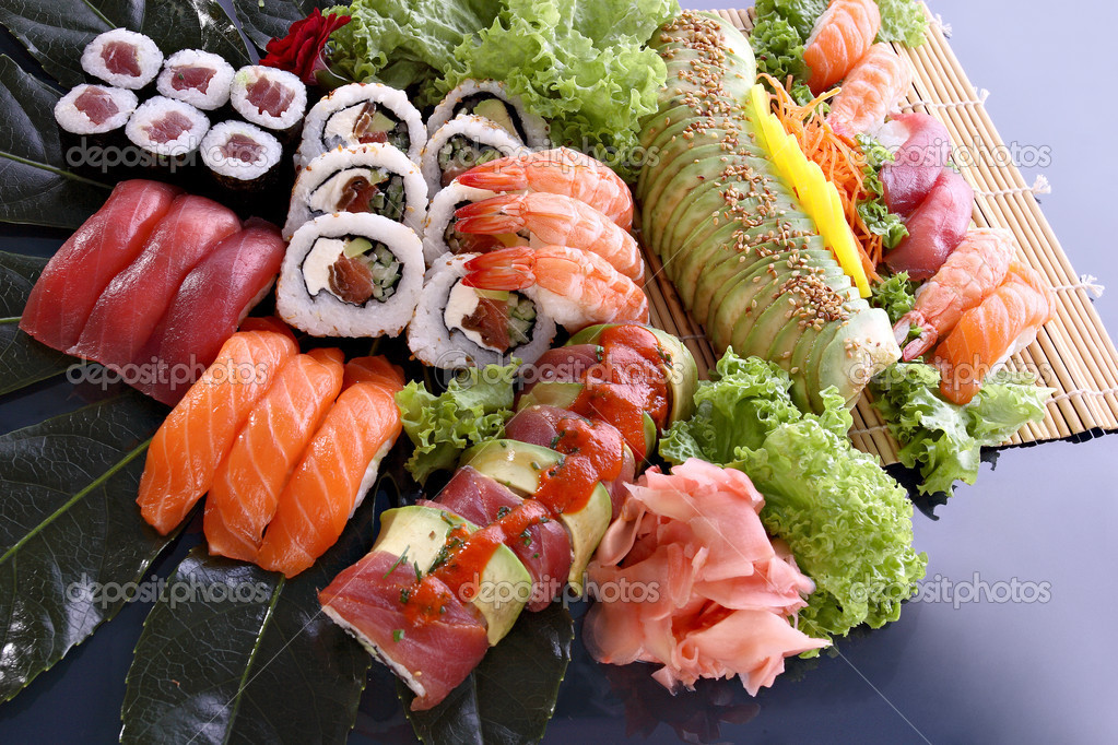 Japanese sushi traditional japanese food — Stock Photo #2043714