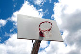 Basketball hoop against sky — Stock Photo
