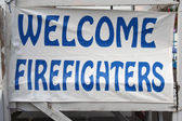 Welcome firefighters sign — Stock Photo