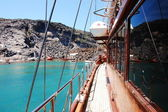 Het schip op turquoise water — Stockfoto