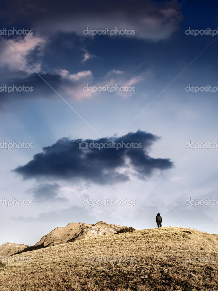 Mountain and lonely one man under the heaven. — Stock Photo #2007742