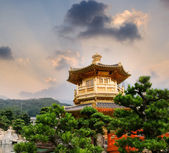 Golden buddhism tower — Stok fotoğraf