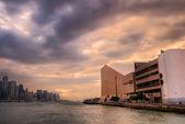 ηλιοβασίλεμα της πόλης λιμάνι στο χονγκ κονγκ — Φωτογραφία Αρχείου