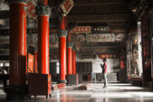 Temple with one Asian praye — Stock Photo