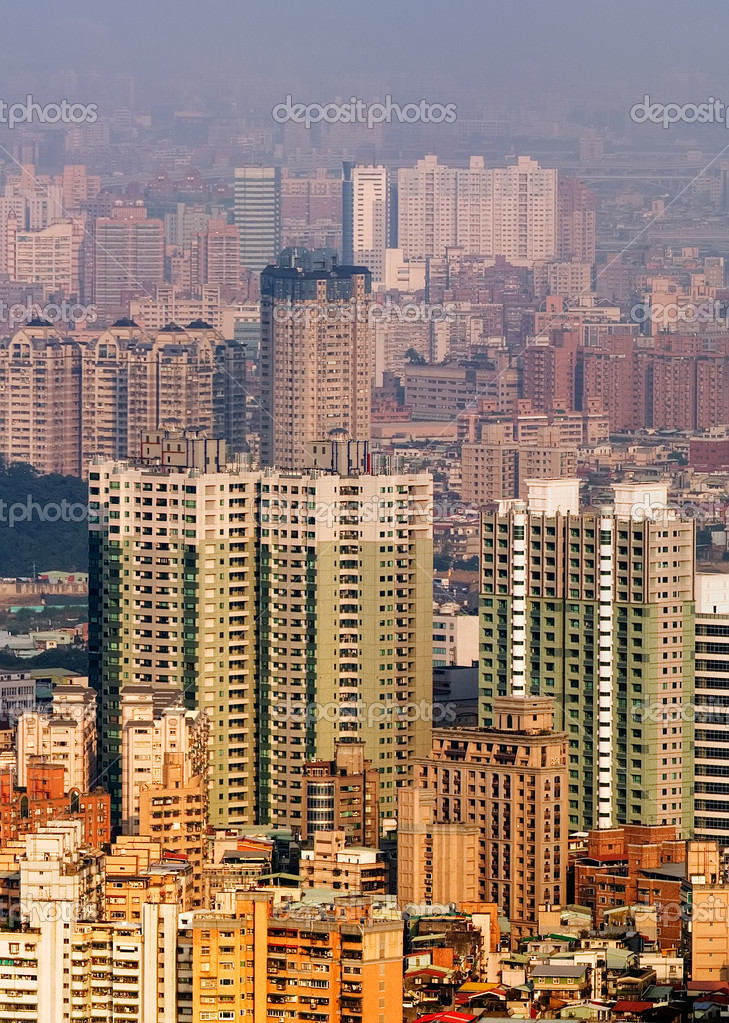 City landscape in morning with apartments and mansions in Taipei, Taiwan. — Stock Photo #2020475