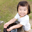 Baby wash hand in the outdoor — 图库照片
