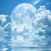 White clouds full moon — Stock Photo
