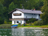 House at the lake — Stock Photo