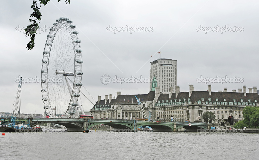 A photography of the attraction London Eye  Stock Photo #2447370
