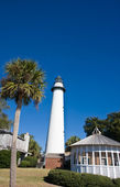 Palm Tree Lighthouse and Gazebo — Stock Photo