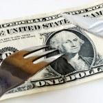 Snijd de kosten om wat geld te besparen — Stockfoto