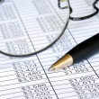 Check the numbers on the spreadsheet — Stockfoto