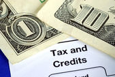 Získání náhrady od daňové přiznání — Stock fotografie