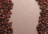 Koffie korrels op een ruwe plundering — Stockfoto