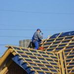 Men on roof — Stock Photo #2093915