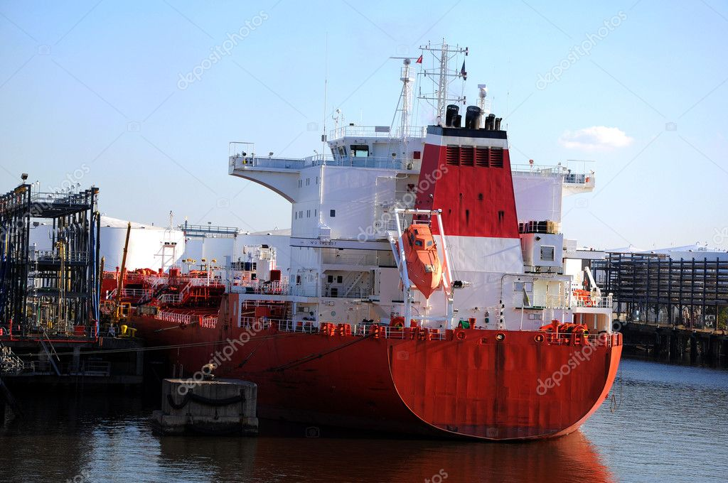 loading of chemical tanker in the port — Stock Photo #2320696