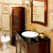 Classic bathroom — Stockfoto