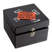 Think outside the box concept — Foto Stock