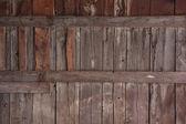 Bois superficiel par les agents de l'ancien mur de la grange — Photo