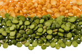 Green and yellow split peas — Stock Photo