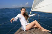 The girl on the yacht — Stock Photo