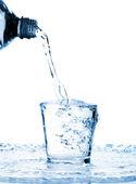 стакан воды — Стоковое фото