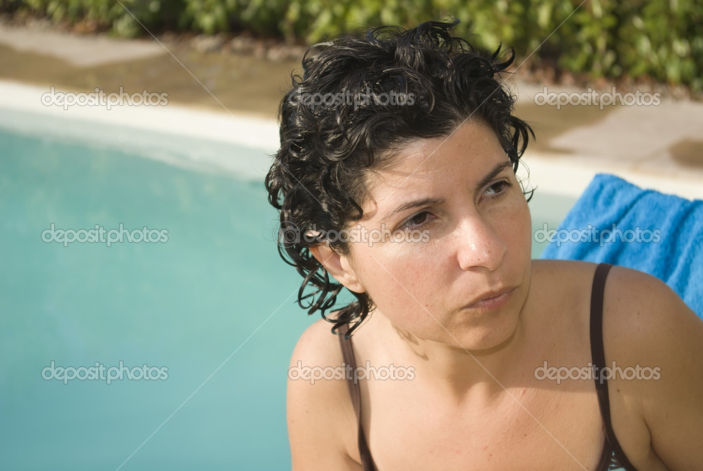 Latin girl at the swimming pool — Stock Photo #2112488