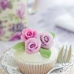 Purple rose cupcake — Stock Photo #2049924