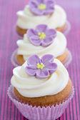 Cupcakes púrpuras — Foto de Stock