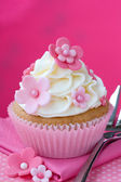 Flower cupcake — Stock Photo