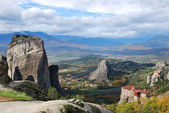 Meteora mountains and ortodox monastery — Stock Photo