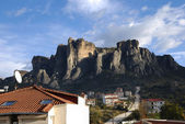 Kastraki village and Meteora mountains — Stock Photo