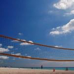Volleyball net on Sunny Isles Beach — Stock Photo