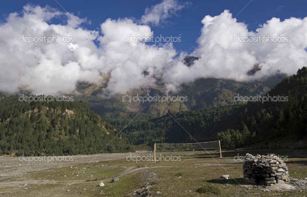 Volleyball net in the mountains in Nepal — Stock Photo #2199523