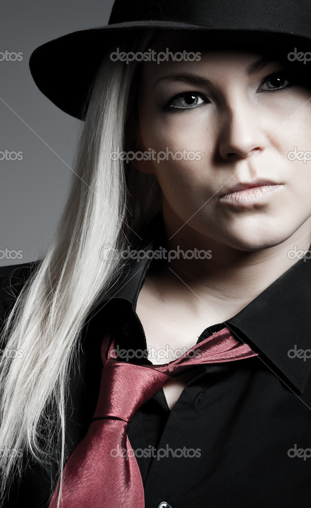 Young blonde wearing a hat and tie — Stock Photo #2127797