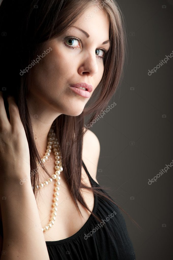 Casual portrait of a gorgeous brunette model  Stock Photo #2128305