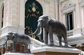Olifant standbeeld — Stockfoto