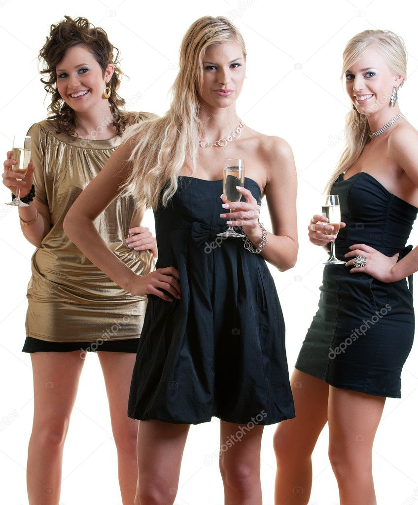 Three girlfriends ready for a party night — Stock Photo #2230685