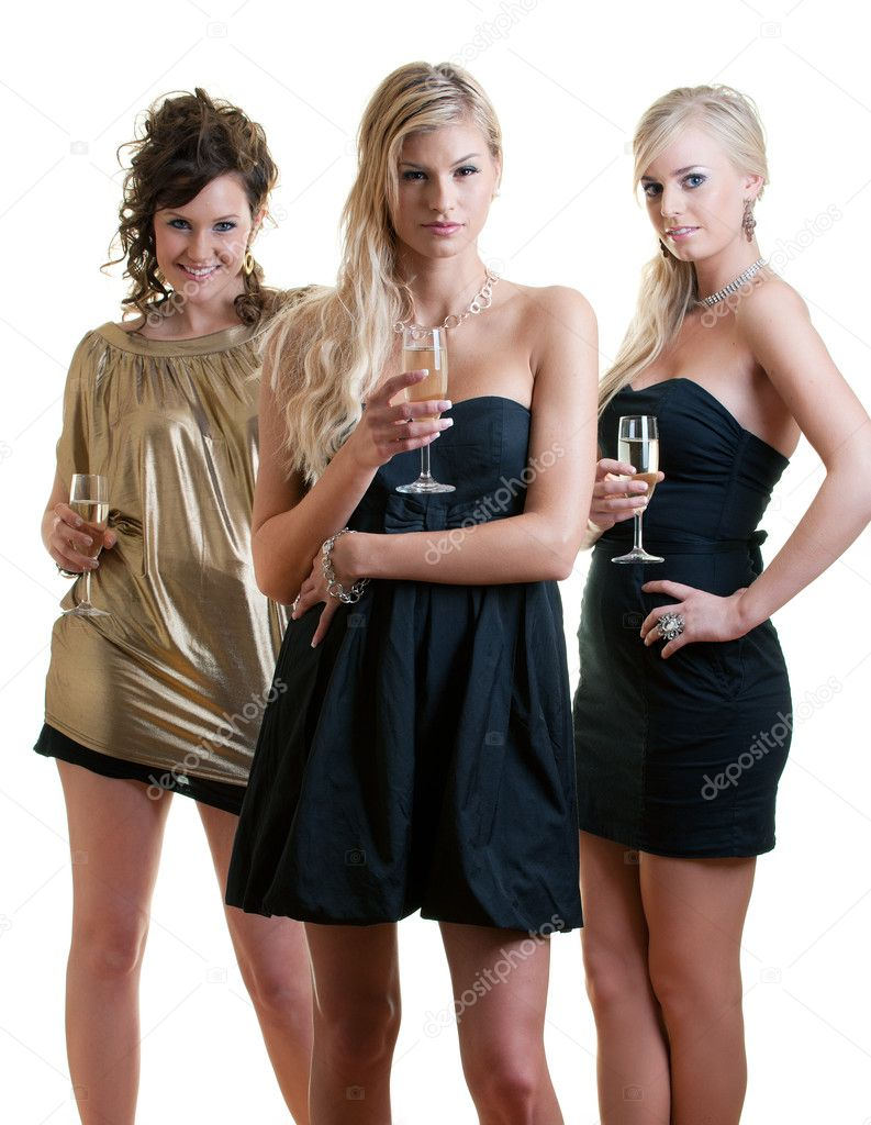 Three girlfriends ready for a party night — Stock Photo #2230694