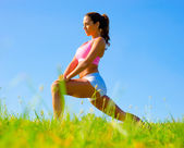 Athletic Woman Exercising — ストック写真