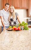 Young Couple Posing in Kitchen — Stok fotoğraf