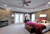Duża sypialnia wnętrza — Zdjęcie stockowe