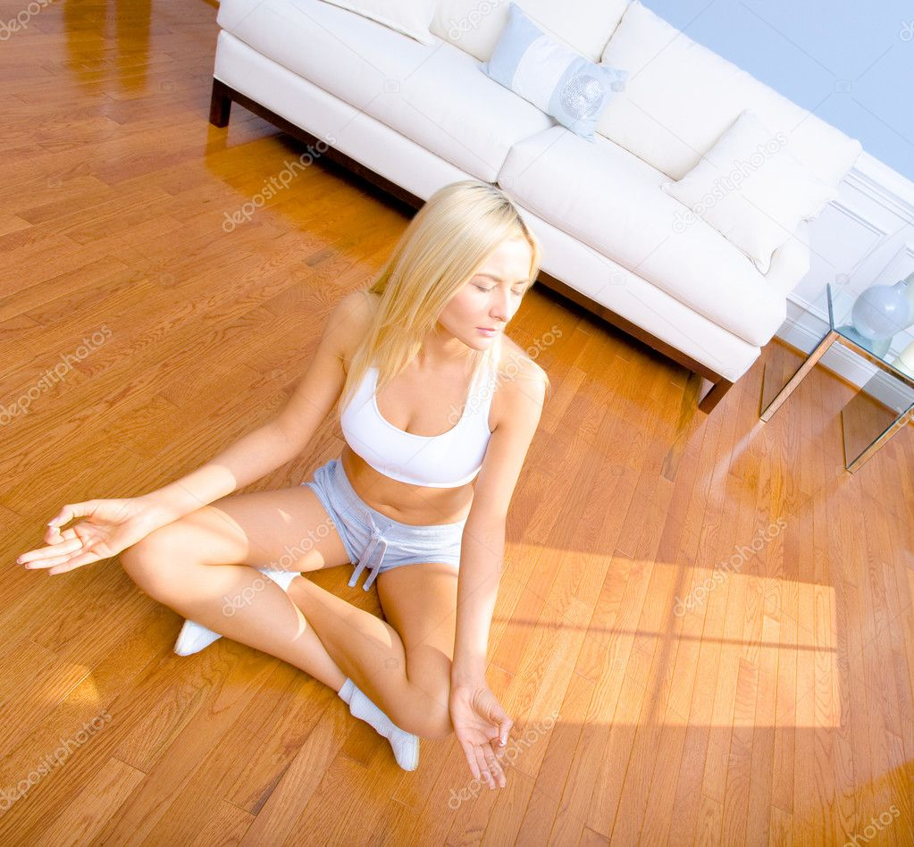 how to clean a floor on your hands and knees